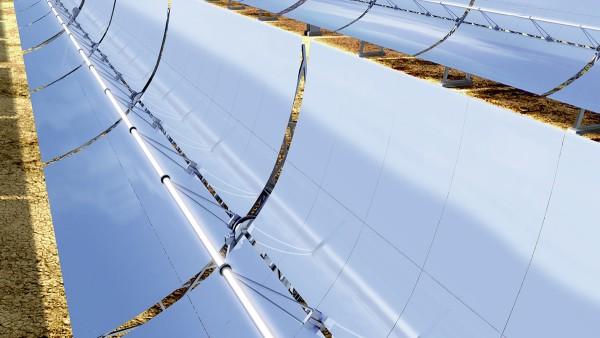 Tot de thermische zonne-energiecentrales behoren onder andere parabolische trogcentrales.